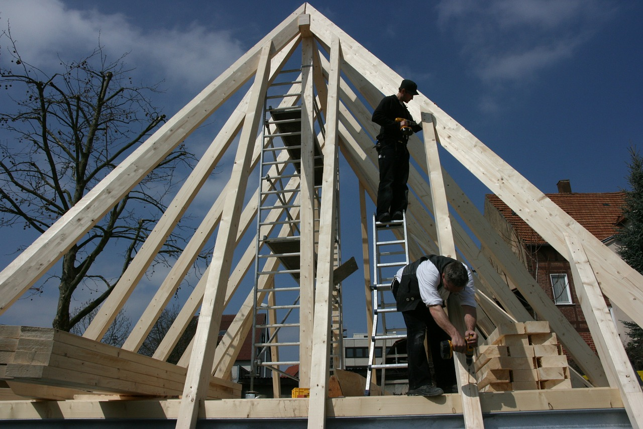 Fribo Team Rastede Zimmerei, Dachsanierungen, Dachstühle, achgauben, Kundendienst, Neubau, Altbau Sanierung, Ausbauten, Umbauten, Fliesenarbeiten
